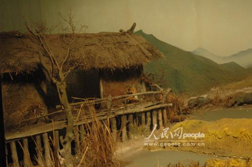 河姆渡人的房子及头部复原图图片