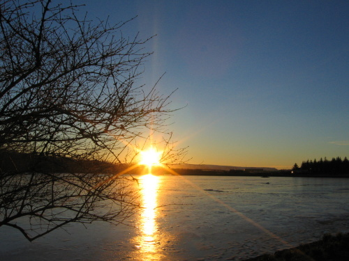 冰岛冬天的太阳可真够懒惰的