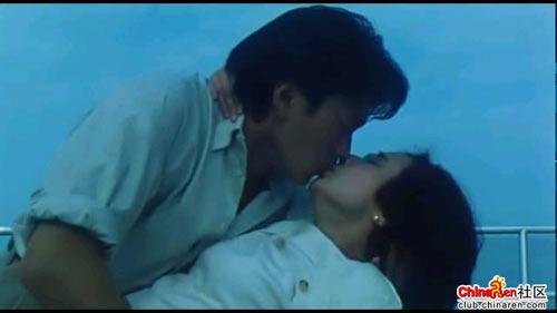 周星驰电影里的经典接吻镜头(zz)