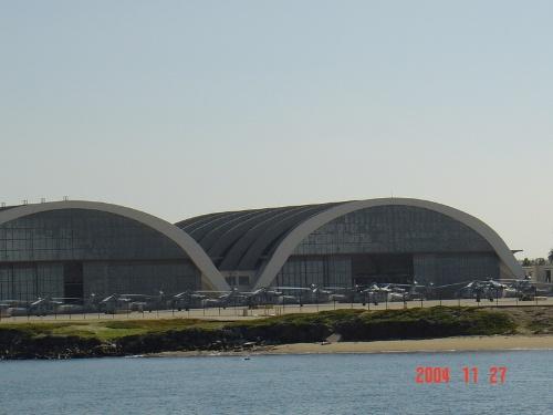 圆顶的房子是机库