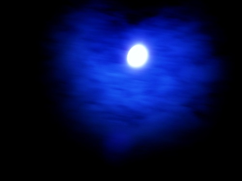 彩虹月亮主题曲叫什么
